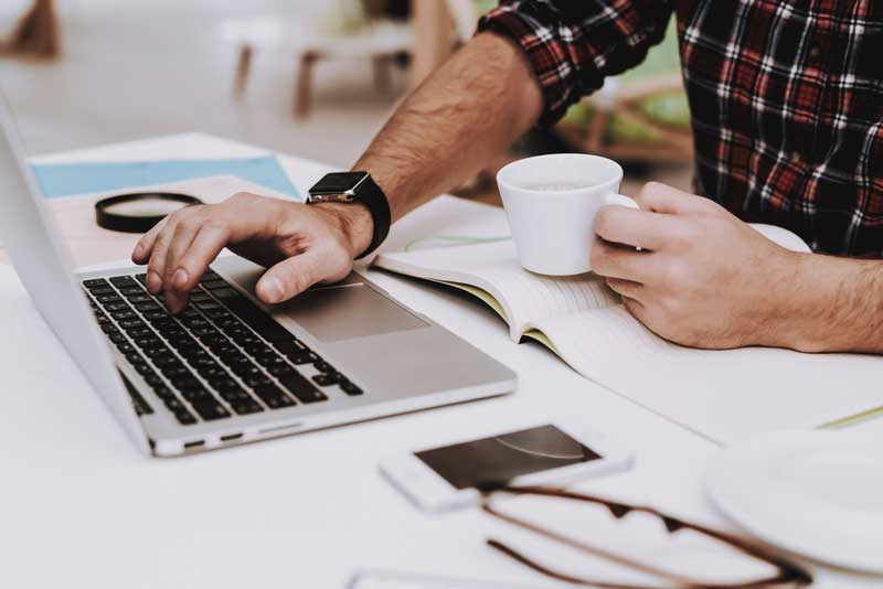 Hoeveel koffie drinken op je werk?