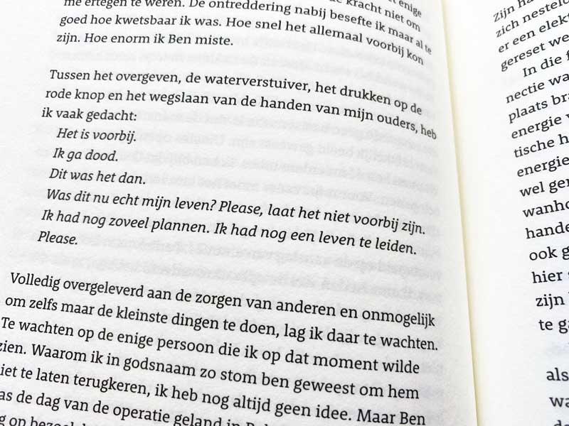 Een boek over een jonge vrouw met darmkanker