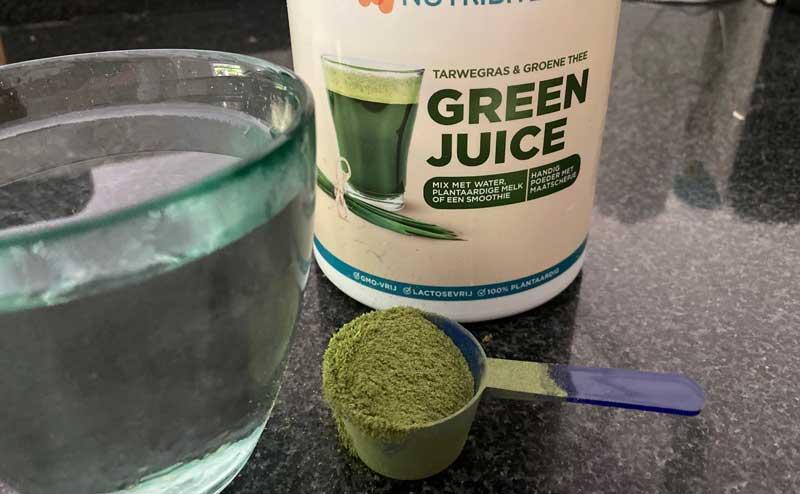 Waarom en welke green juice? Meer over populaire groene poeder supplementen