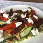 Zelfgemaakte koolhydraatarme wraps met gegrilde groente