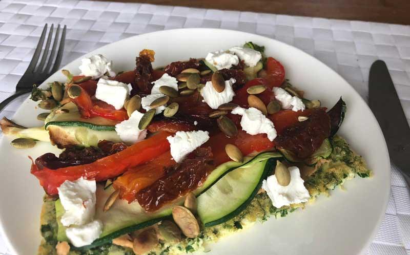 Zelfgemaakte koolhydraatarme wraps met gegrilde groenten