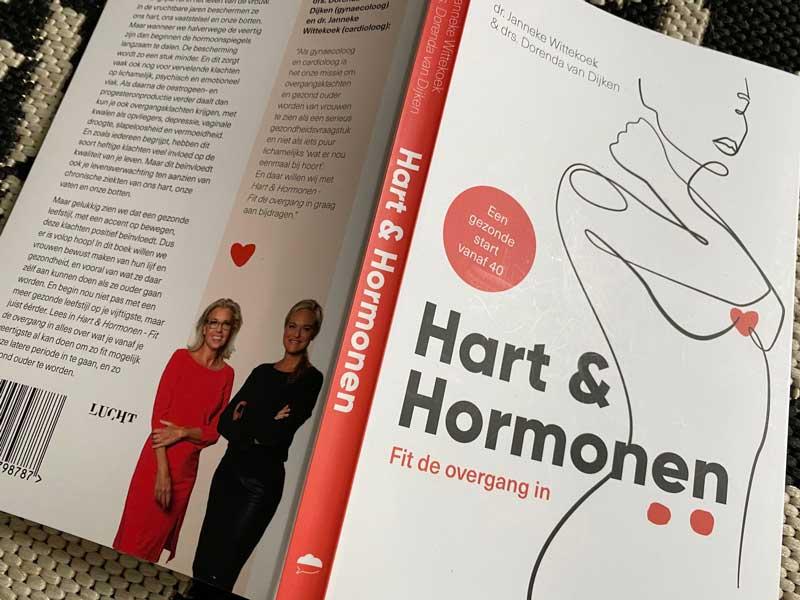 Boek voor vrouwen over de overgang, hartklachten en hormonen