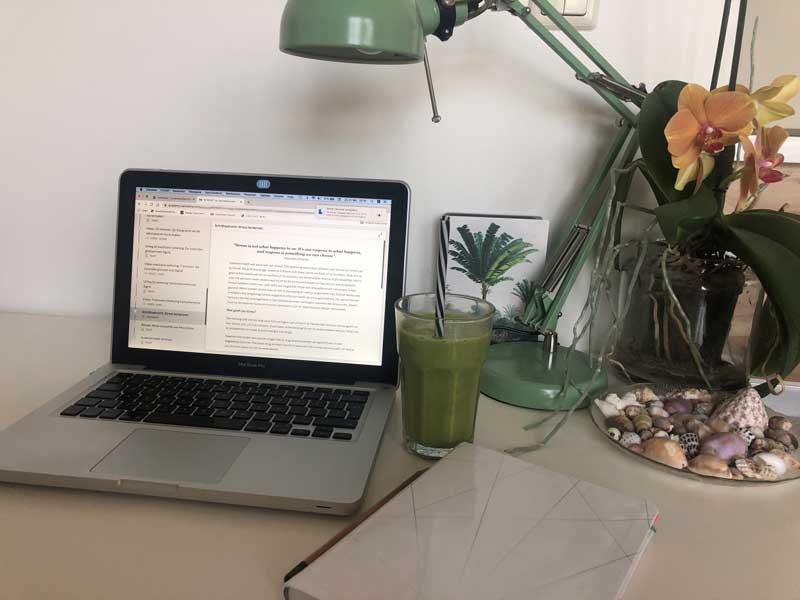 Mijn ervaring met het online yogaprogramma van Isa Hoes en Medina Schuurman