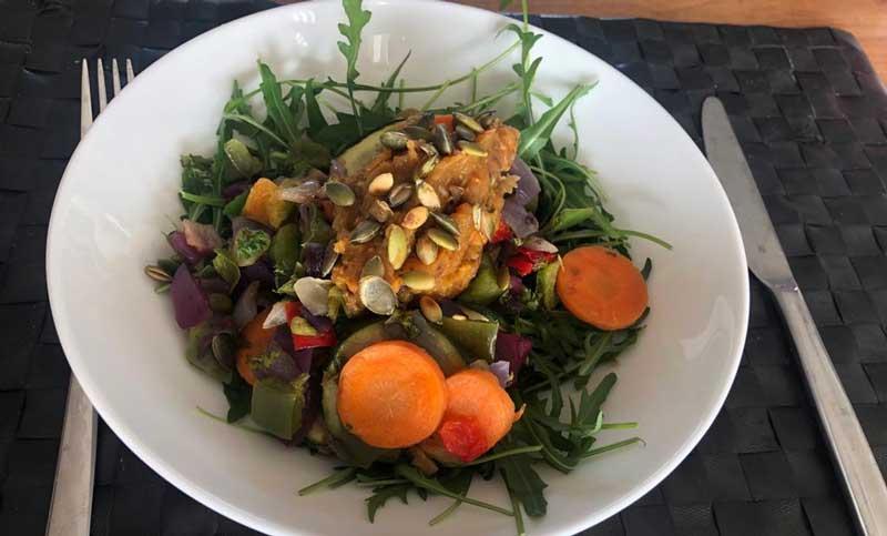 Gegrilde groenten met zelfgemaakte zoete aardappel spread