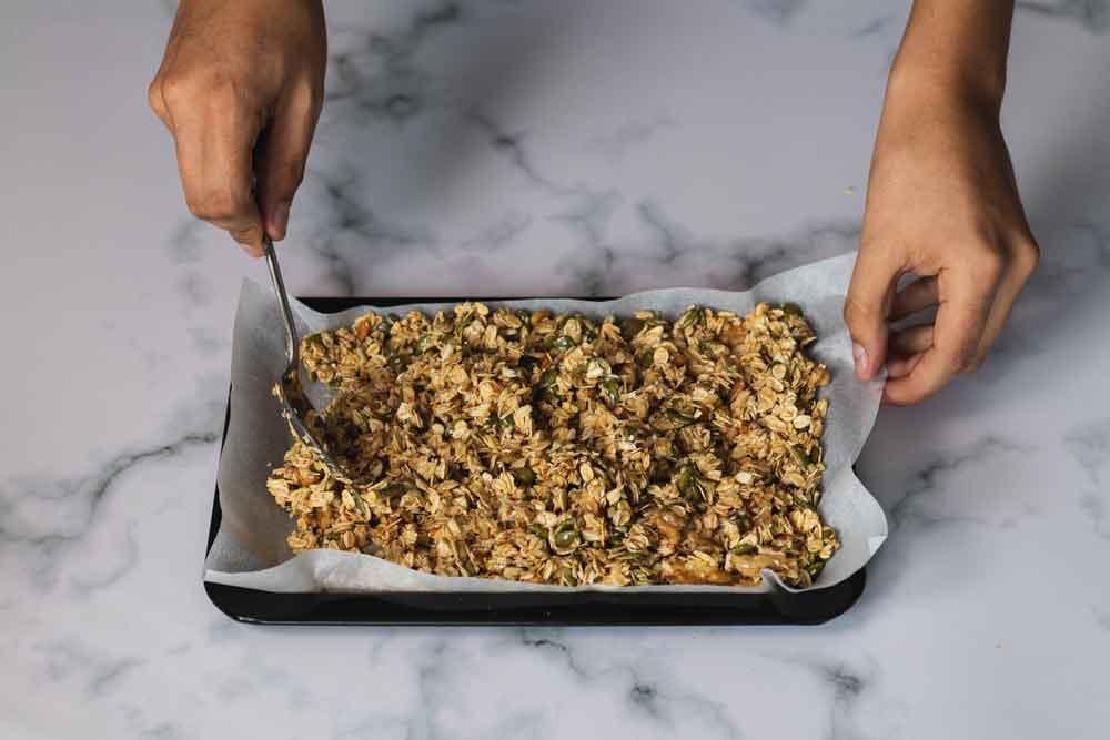Extra gezonde granola maken, met groentepoeder
