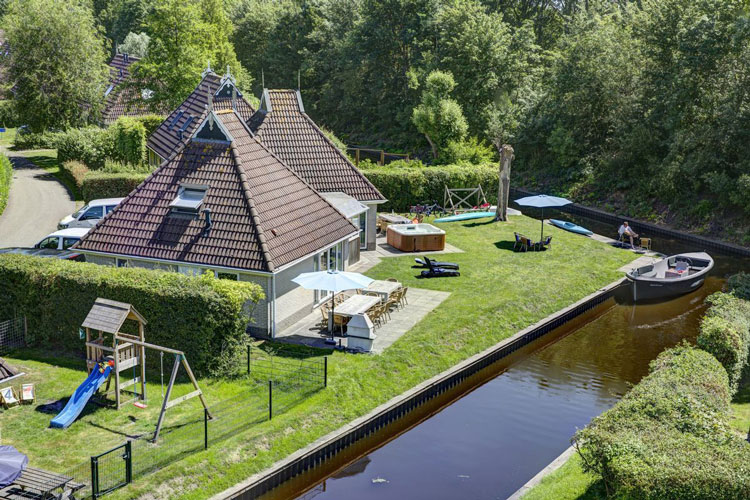 Vakantiepark met bungalows met wellness