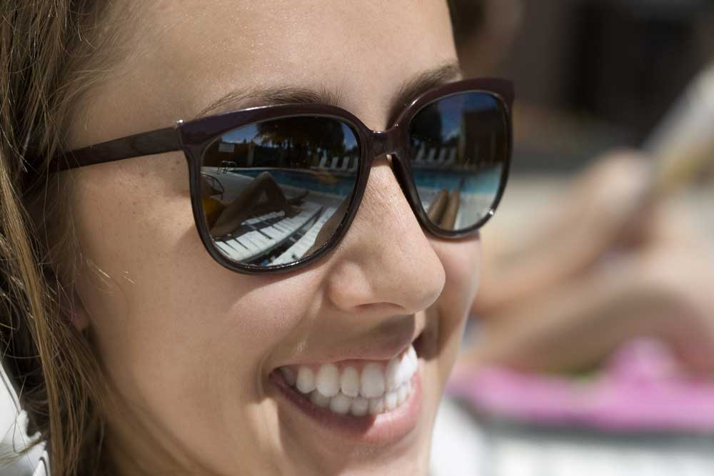 Is het vaak dragen van een zonnebril gezond?