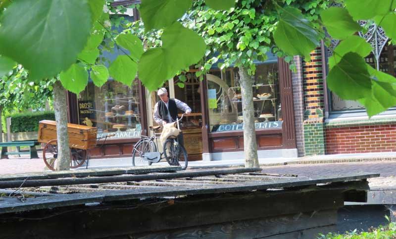 Oude ambachten en winkeltjes in het Zuiderzeemuseum